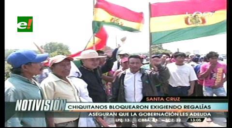 Chiquitanos bloquearon la carretera a Pailas, exigen regalías a la Gobernación