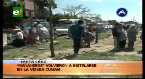 """""""Mañaneros"""" siguen pagando para vender en la Barrio Lindo"""