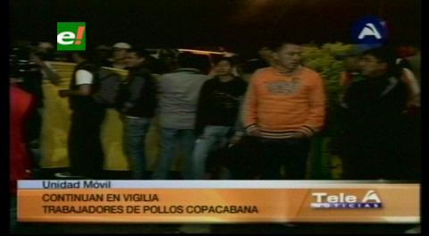 La Paz: Empleados marcharon en contra de Pollos Copacabana
