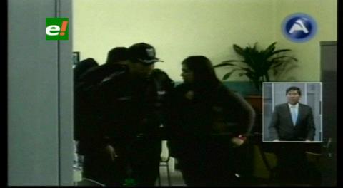 El Alto: Detienen a empleada por robo de 185 mil bs de un domicilio