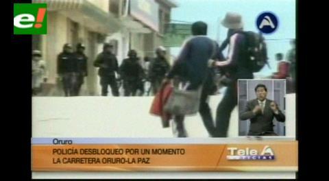 Desbloqueo en Caracollo: Policías gasifican a niños y ancianos