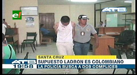 Atrapan y golpean a extranjero que entró a robar en una casa