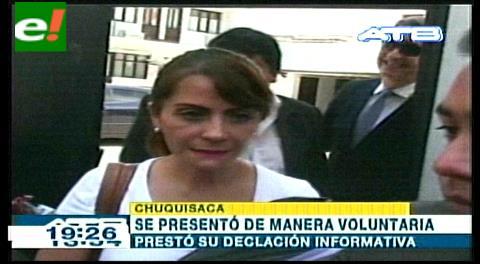 Esposa de Carlos Chávez queda libre tras declarar