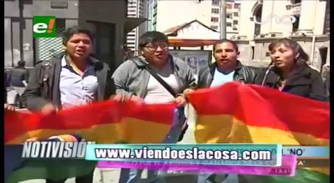 La Paz: Jóvenes piden a políticos no atribuirse la victoria del NO