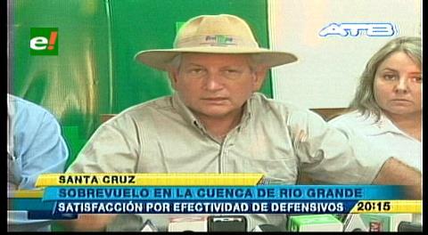 Rubén Costas evalúa daños y defensivos de los ríos Grande y Piraí