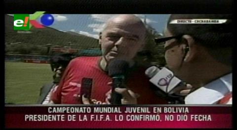 Infantino anuncia que Bolivia será sede de un torneo mundial de fútbol