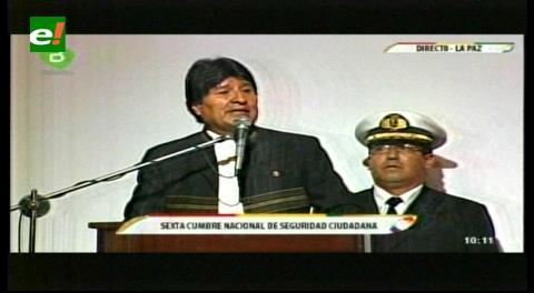 Evo habla de un 'toque de queda' similar al de las dictaduras para evitar delitos