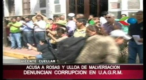 Marcha de docentes y estudiantes, denuncian hechos de corrupción en la Uagrm