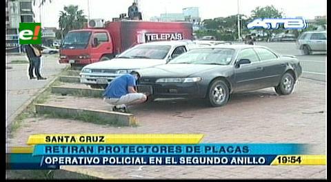 Santa Cruz: Tránsito retira protectores de placas a los motorizados