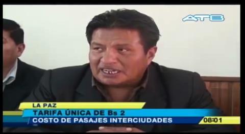 Choferes rechazan tarifa implementada por la Gobernación de La Paz