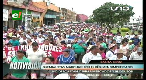 Santa Cruz: Marcha gremial provoca caos en el casco viejo
