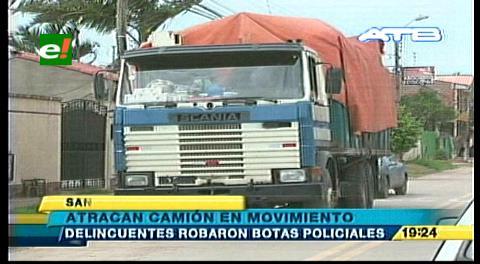 Atracan un camión en movimiento y se roban botas para la Policía