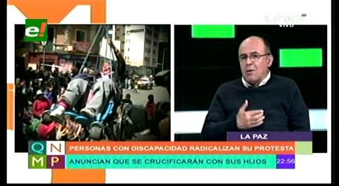 """Ministro Ferreira califica de """"tercos"""" y que hacen show a los discapacitados"""