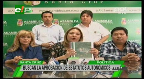 Asambleístas viajan a Sucre, entregarán elementos jurídicos sobre el proceso de adecuación de los Estatutos Autonómicos