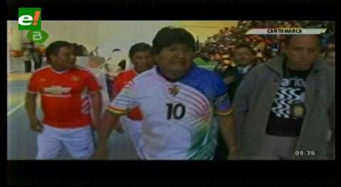 ¡Mejoran! Canal estatal solo transmitió 15 minutos de un partido de fútbol de Evo
