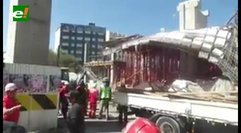 """""""Devuelvan nuestro parque"""", gritan vecinos ante accidente en construcción del Teleférico en La Paz"""