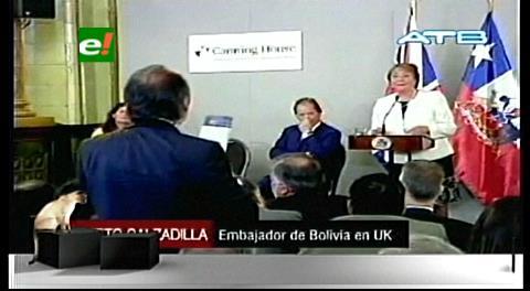 Embajador de Bolivia sorprende a Bachelet con una pregunta