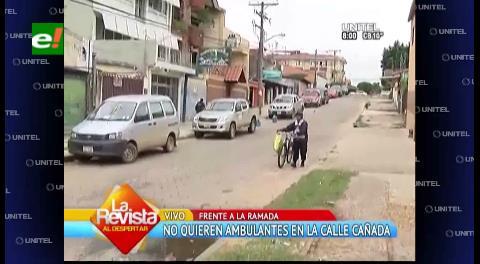 Vecinos de la calle Cañada no quieren a comerciantes ambulantes