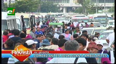 Desalojan a vendedores ambulantes del camellón de la avenida Grigotá