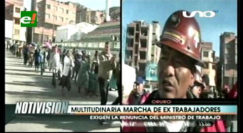 Vuelven estruendos de las dinamitas a calles de Oruro