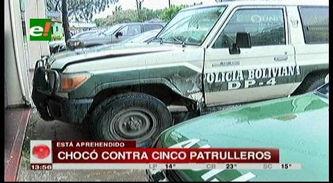 Santa Cruz: Conductor se da a la fuga y choca a cinco patrulleros