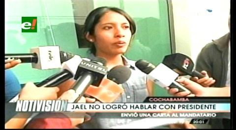 Jóvenes deportistas le entregaron una carta a Evo Morales