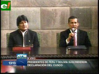 Evo se reúne con Ollanta y firman Declaración de Cusco