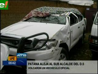 Destituyen al Subalcalde alteño Cocarico por la colisión de un auto oficial