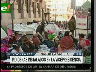 Novena marcha cerca el edificio de la Vicepresidencia