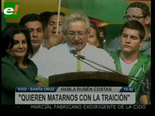 """Multitud respalda a Costas. """"El centralismo no matará la autonomía"""""""