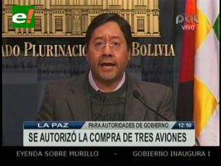 """Ejecutivo pide """"no politizar"""" compra de aviones para la FAB y la DGAC"""