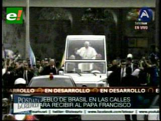 Fervor y confusión en el primer día de la visita del Papa a Brasil