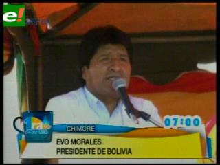 Morales entrega helicóptero para el Ejército y anuncia arribo de aeronaves chinas