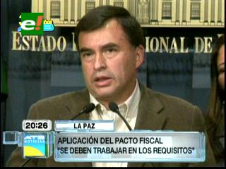 """Quintana dice que Pacto Fiscal no puede ser una """"bandera política"""""""