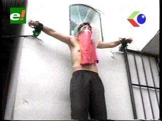 Sucre: Reos del penal de San Roque se crucifican por el prediario