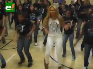 Beyoncé se une por sorpresa a una coreografía de estudiantes en Nueva York