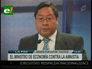 Ministro de Economía en contra de la amnistía a vehículos «chutos»