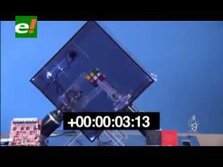 Sorprendente máquina resuelve un cubo mágico en 10 segundos