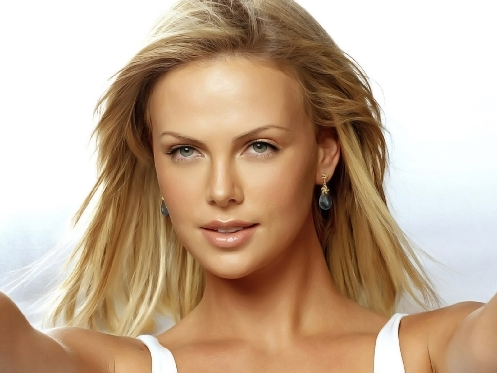 Charlize Theron cumple 36 años