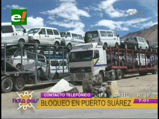 Cívicos bloquean Puerto Suárez, piden reunión con la  Presidenta de Aduana