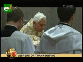 El Papa ora por las familias en misa de fin de año