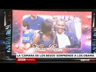 """La """"cámara de los besos"""" sorprende a los Obama"""