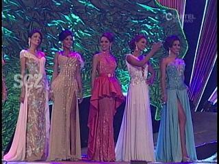 Candidatas a Miss Santa Cruz 2013 desfilan en traje de gala