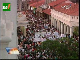 Multitudinaria concentración: Santa Cruz marchó en repudio a la violencia y exigió respeto a la vida