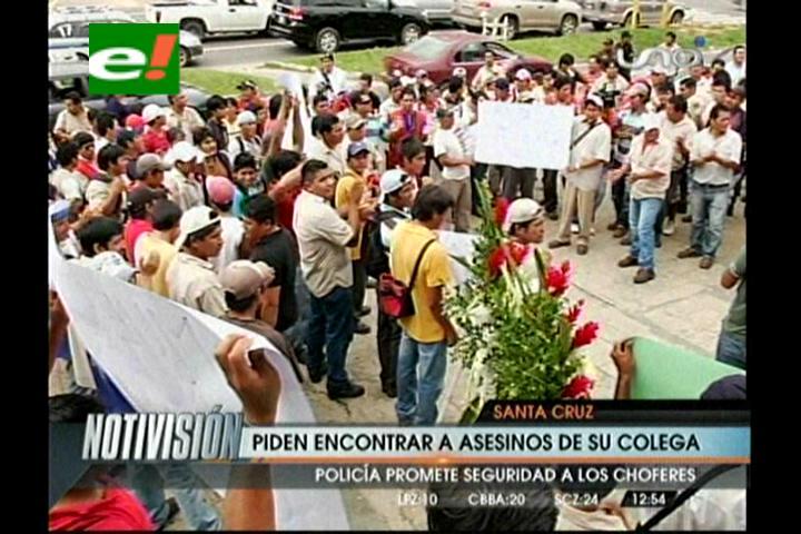 Familiares y amigos exigen a la Policía encontrar a los asesinos de Vicente Achacollo