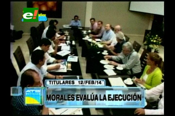 Titulares: Evo está en Santa Cruz, evalúa las obras para el G-77