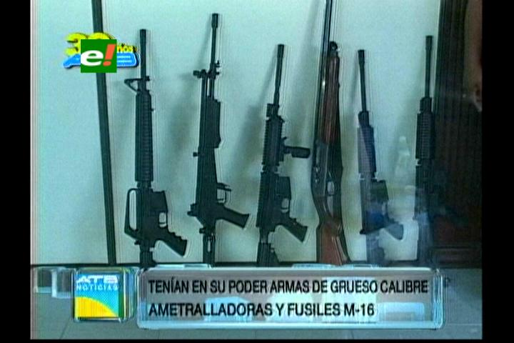 Santa Cruz: Detenidos con fusiles M-16 traficaban armas