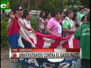 Universitarios rechazan el gasolinazo