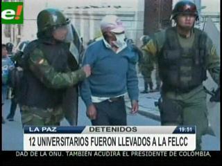 Universitarios y Policías se enfrentaron