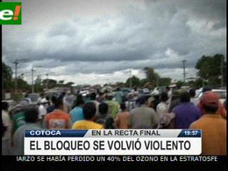 El desbloqueo en carretera a Cotoca fue violento